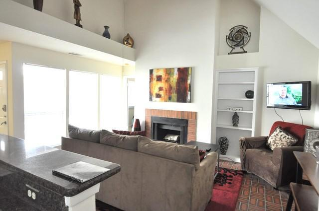Great location sleeps 6! 2 blks to Conv. Ctr + 6th - Image 1 - Austin - rentals