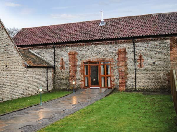 THE PADDOCKS barn conversion, with a woodburner, close to coast in Cromer Ref 18084 - Image 1 - Cromer - rentals