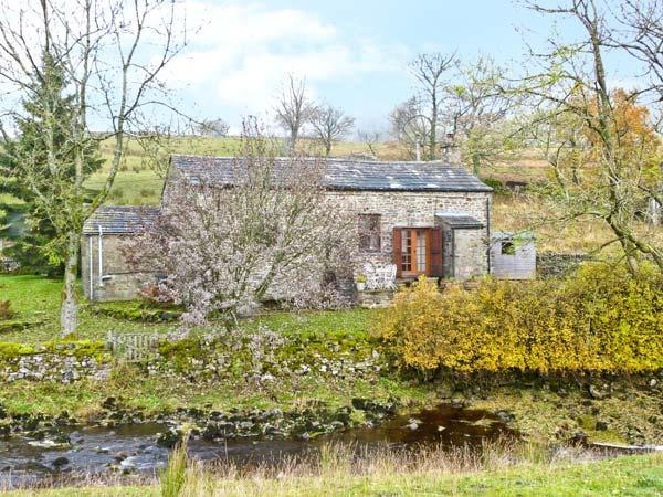 THE READING ROOMS, pet-friendly riverside cottage, woodburner, walks from door, National Park, near Buckden Ref 5414 - Image 1 - Buckden - rentals