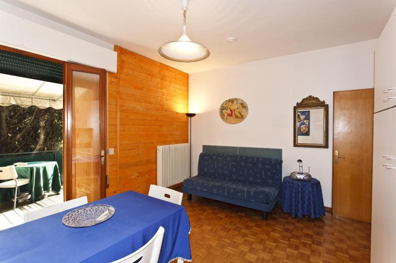APARTMENT IN VENICE SURROUNDINGS (20 minutes by train) - Image 1 - Mirano - rentals