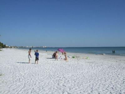 Fort Myers Beach - 3 Bedroom Condo - Steps to Fort Myers Beach - Fort Myers Beach - rentals