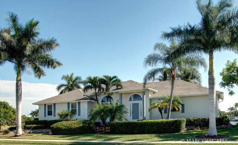 CASTAWAYS - Lost in Luxury on Marco Island!  Fabulous Location! - Image 1 - Marco Island - rentals