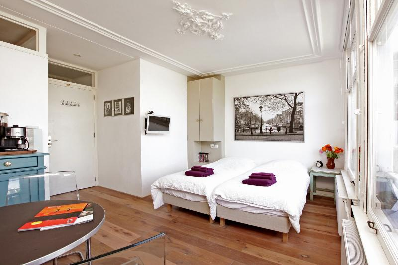 Nora - Private Studio in center of Amsterdam with all tourist attractions nearby - Image 1 - Amsterdam - rentals