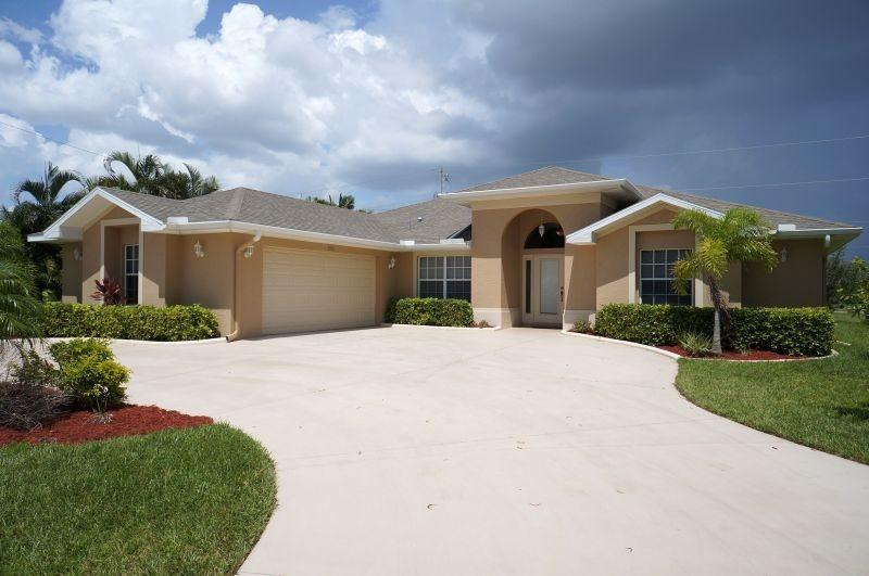 Villa Agualinda - SW Cape Coral 3b/2ba Elect Heated Pool, HSW Internet - Image 1 - Cape Coral - rentals