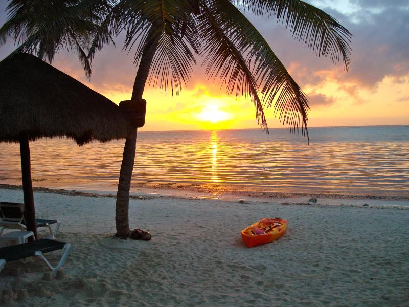 Sunrise at Nah Uxibal - Beachfront Studios on Beautiful Soliman Bay - Soliman Bay - rentals