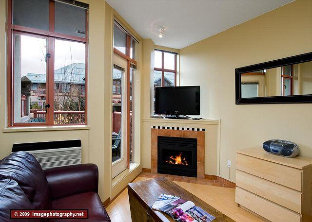 Studio living area - #216 at the Alpenglow, studio with queen bed, kitchen & pool Whistler Village - Whistler - rentals