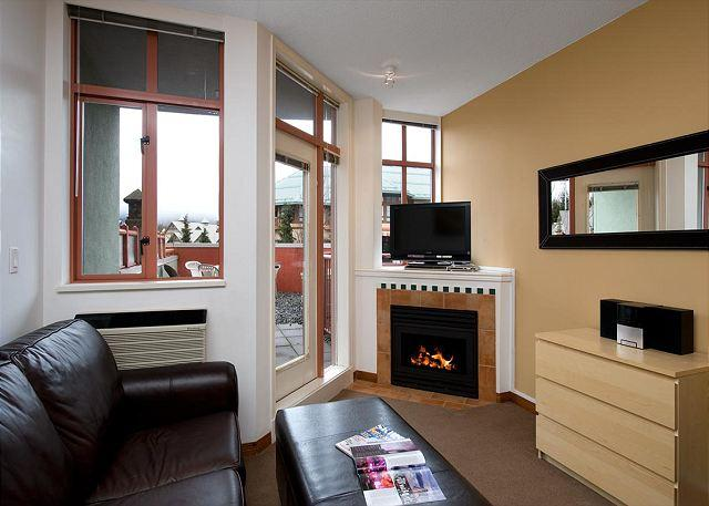 #214 at the Alpenglow, studio with queen bed, kitchen & pool Whistler Village - Image 1 - Whistler - rentals