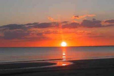 One Bedroom One Bath - Just Steps to the Beach. - Image 1 - Fort Myers Beach - rentals