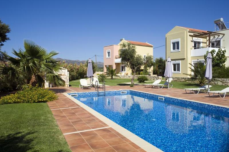 Large pool and relaxing gardens - 4* villa with pool in Crete,near beaches FREE WiFi - Chania - rentals