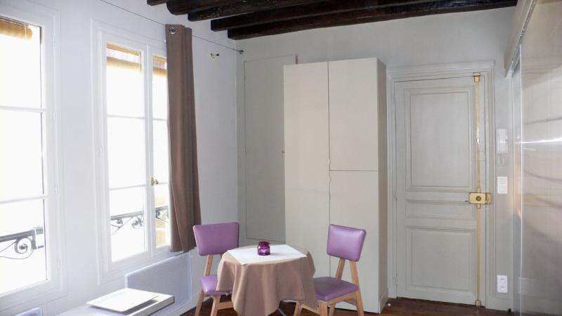 477 Studio   Paris Saint Germain des Pres district - Image 1 - Paris - rentals
