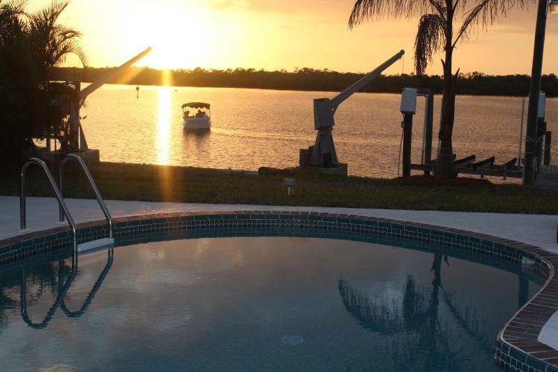 Amazing Sunsets! - Island Ave Splender  On The Bay - Matlacha - rentals