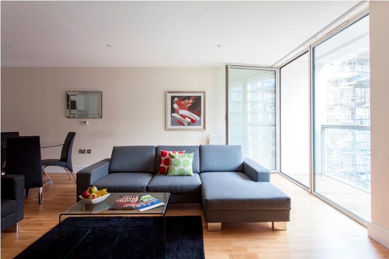 Lanterns 01 Bedroom Contemporary Apartment at Best Bargain - Image 1 - London - rentals