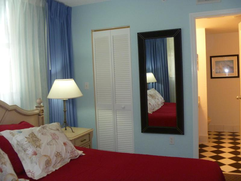 Elegant, Two Bedroom Condo Close to the Ocean - Image 1 - Key West - rentals