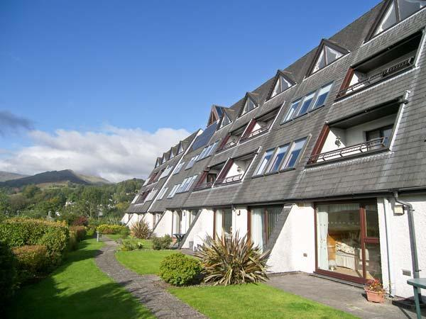 BRATHAY first floor apartment, use of leisure facilities, wonderful view in Ambleside Ref 18962 - Image 1 - Ambleside - rentals