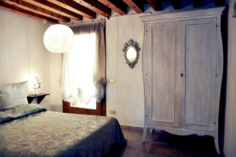 Double bedroom - Historic center of Bassano del Grappa - Bassano Del Grappa - rentals