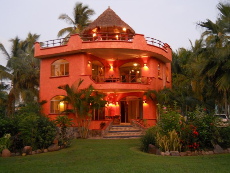 VILLA REYES at dusk. - VILLA REYES, Playa Las Tortugas - ocean,pool,kayak - Riviera Nayarit - rentals