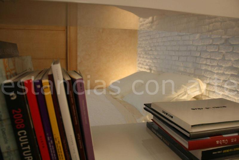 Bed view through the library - Fabulous & Spacious Loft near to Plaza Santa Ana - Madrid - rentals