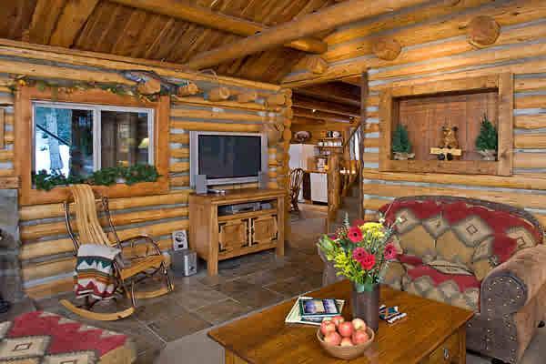 Living room - Bear Creek Log Cabin, Wildlife Adventure, Hot Tub - Bozeman - rentals