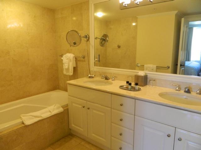 Luxury Condo in a Four Diamond All Suite Resort - Image 1 - Marco Island - rentals