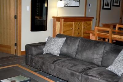 Living Room with Electric Fireplace - Kookaburra Village Center - 201 - Sun Peaks - rentals