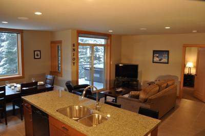 Living Room - Kookaburra Village Center - 304 - Sun Peaks - rentals
