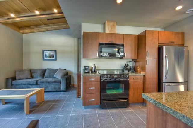 Kithcen and Den - Kookaburra Village Center - 203 - Sun Peaks - rentals