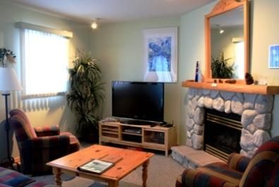 Living Area with Flat Screen TV - Snow Creek Village - 20 - Sun Peaks - rentals