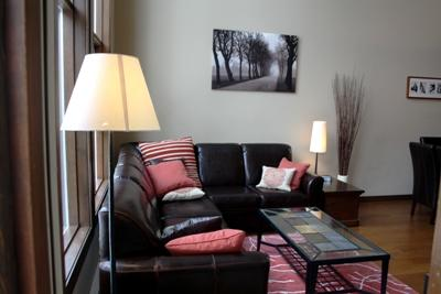 Living Area with Leather sofa - Stone's Throw Condos - 15 - Sun Peaks - rentals