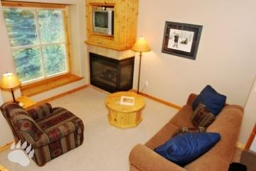 Living Room - Crystal Forest Condos - 11 - Sun Peaks - rentals