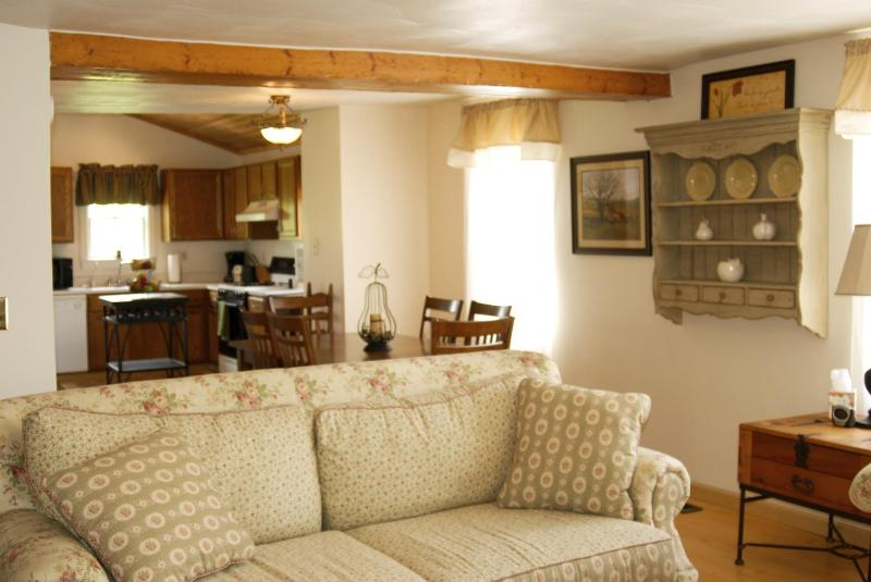 Living Room - Mulberry Hill Estate Country House - Mansfield - rentals