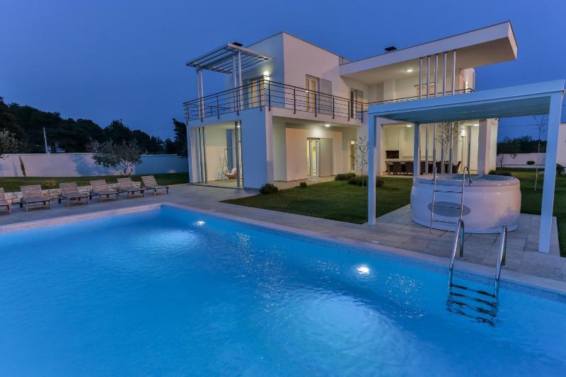 Smrikve Lounge - Luxury Smrikve Lounge Villa nearby Brioni Islands - Pula - rentals