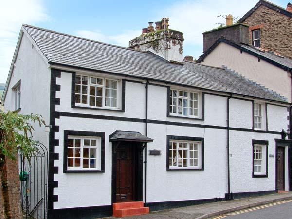 KYNASTON COTTAGE pet-friendly, close to beach and village amenities in Aberdovey Ref 14204 - Image 1 - Aberdovey - rentals