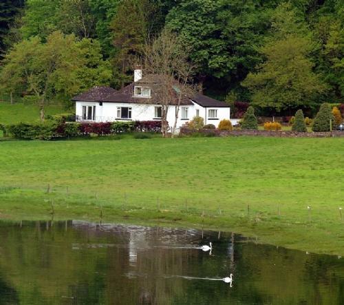 PITSTRUAN COTTAGE, Lerags Glen, Oban, Argyll, Scotland - Image 1 - Oban - rentals