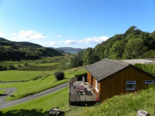 CONIFER LODGE, Lerags Glen, Oban, Argyll, Scotland - Image 1 - Oban - rentals