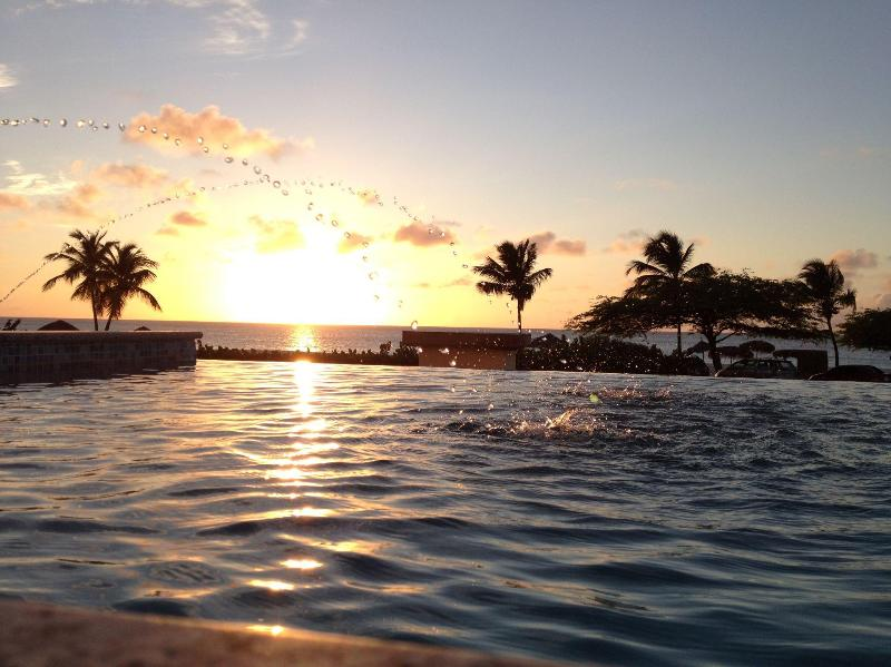 SUNSET FROM PRIVATE POOL - UNIQUE 6 BR OCEANFRNT UNIT W/PRIVATE INFINITY POOL - Aruba - rentals