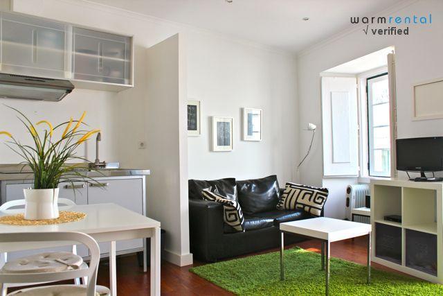 Living Room & Kitchenette  - Wasabi Green Apartment - Lisbon - rentals