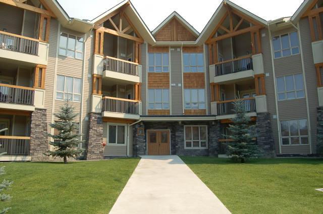 RS1103 - Sable Ridge Condo 2 bedrooms and den - Image 1 - Radium Hot Springs - rentals