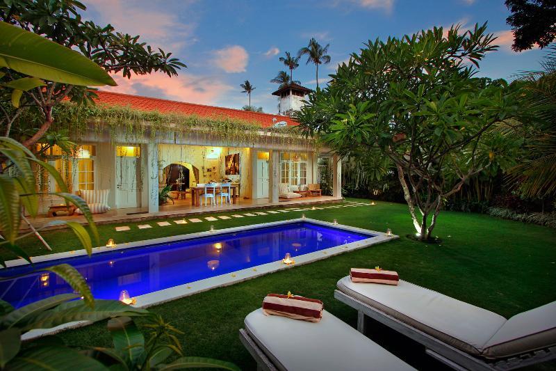 Villa Lodek View - Gorgeous 2 BR Villa Near Seminyak Beach - Seminyak - rentals