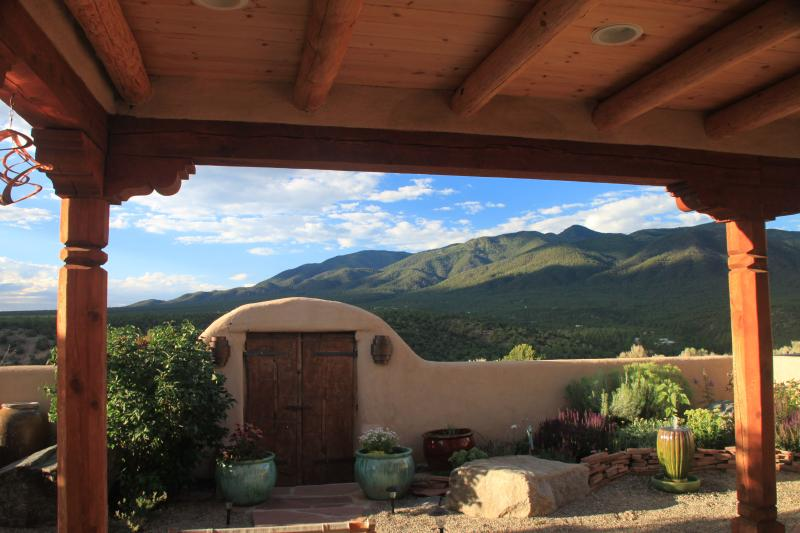 Welcome to the Taos House Retreat! - Taos Retreat - near Ski Valley & Arroyo Seco- perfect for families, couples, & solitude seekers - Taos Ski Valley - rentals