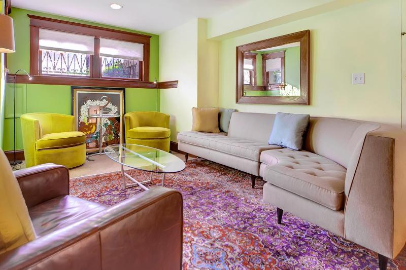 Prime Capitol Hill Location 2 Bedroom 2 Full Bath! - Image 1 - Washington DC - rentals