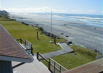 Beach view - Sea Star South - Oceanfront w/ Hot Tub - Lincoln City - rentals