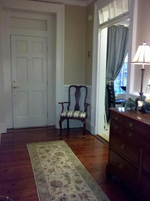 Entry - Perfect Location in Downtown Historic Charleston - Charleston - rentals