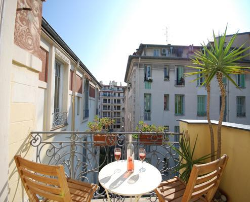 Fresco- Romantic 1 Bedroom Apartment in Great Area, Nice - Image 1 - Nice - rentals
