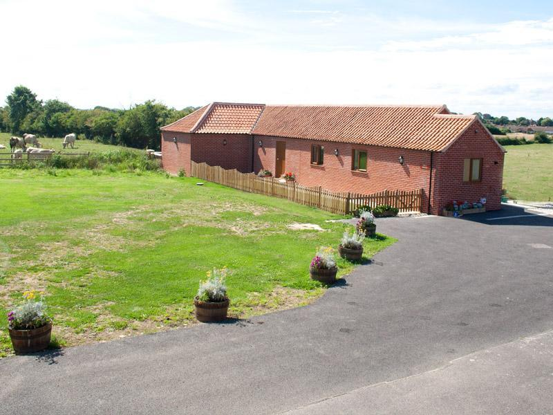 Mill Stone cottage,  Mill Farm, Chapel Nr Skegness - Image 1 - Skegness - rentals