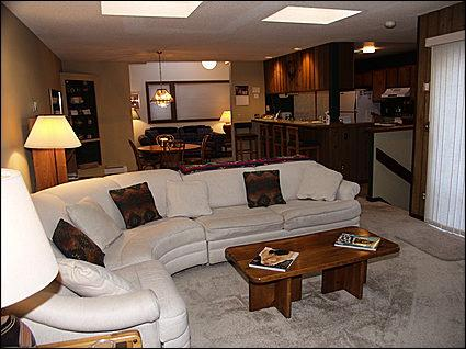 Open Living Area - Deck with views - 5 minute ride to lifts (1203) - Snowmass Village - rentals