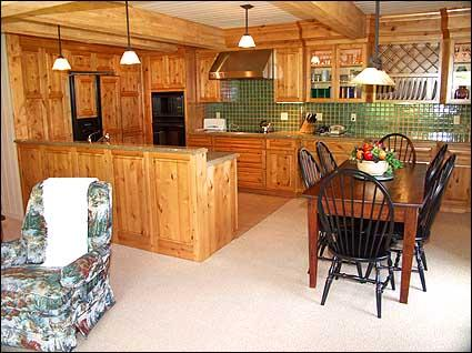 Kitchen with Dining area for 8 - Snowmass Condo - Full Amenities (2115) - Snowmass Village - rentals