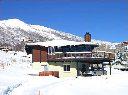 Exterior view with slopes in the background - Large Snowmass Home - Views of Slopes (2141) - Snowmass Village - rentals