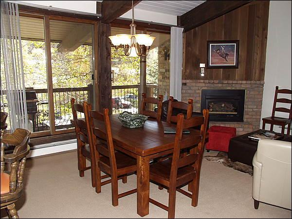 Open Living Area - Great Value Condo - Woodbridge Condo Complex (2491) - Snowmass Village - rentals