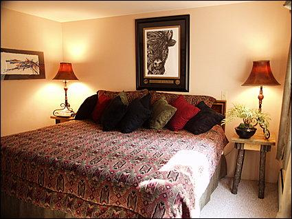 Master Bedroom - Newly Remodeled - Walk to Restaurants, Lifts and Shops (8093) - Aspen - rentals
