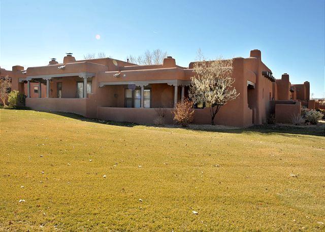 Welcome to Casa del Norte - Villa del Norte is located in Las Campanas - mountain views, fireplaces... - Santa Fe - rentals